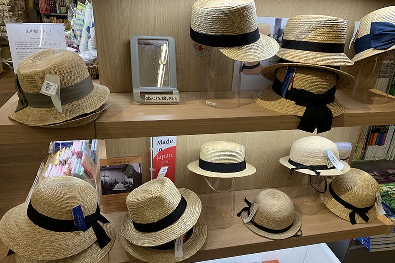 田中帽子店の麦わら帽子